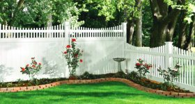 EZ Fence2Go Decorative Fences surrounding a garden image