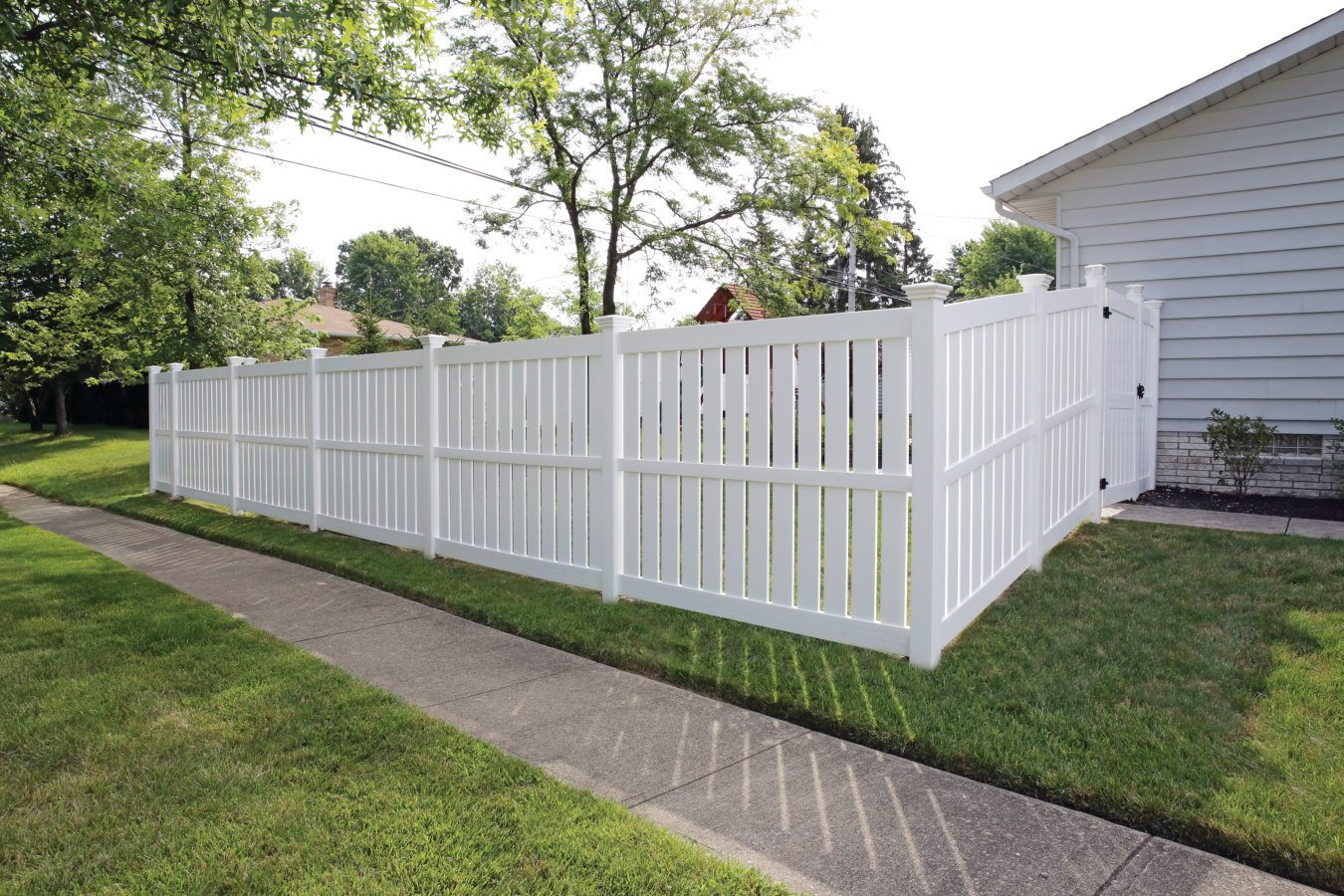 ActiveYards Tupelo Haven Series Vinyl Fencing in White